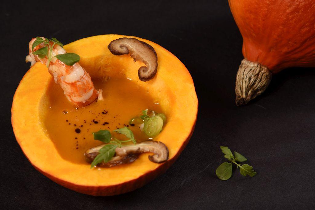 kuerbissuppe-garnele-aufgeschn
